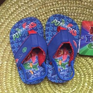 New with tags PJ MASKS FLIP FLOPS SIZE 5-6